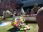 [Update: Better Pics!] New Google Statue Confirms Jelly Bean As The Next Version Of Android