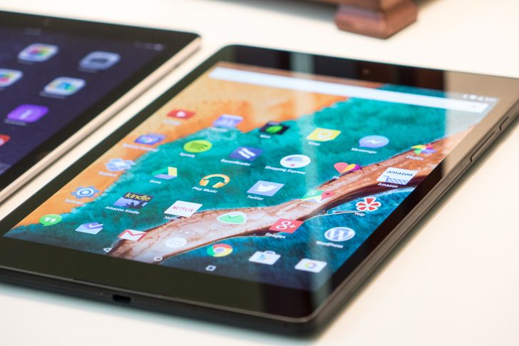 [Weekend Discussion] With Smartphones Getting So Big, Do You Still Want A Tablet?
