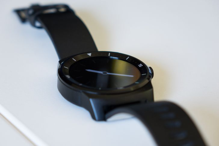 Latest Android Wear Update Adds WiFi Support To The LG G Watch R