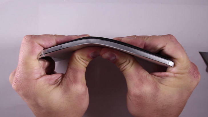 [Freak Out] Contrary To Popular Belief, The Nexus 6P Is Not Unbreakable