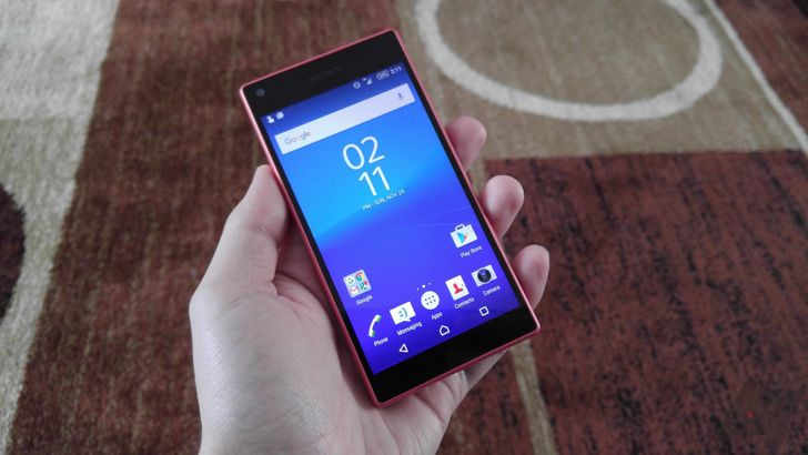 Sony Xperia Z5 Compact Review: The Only Small Phone That Matters