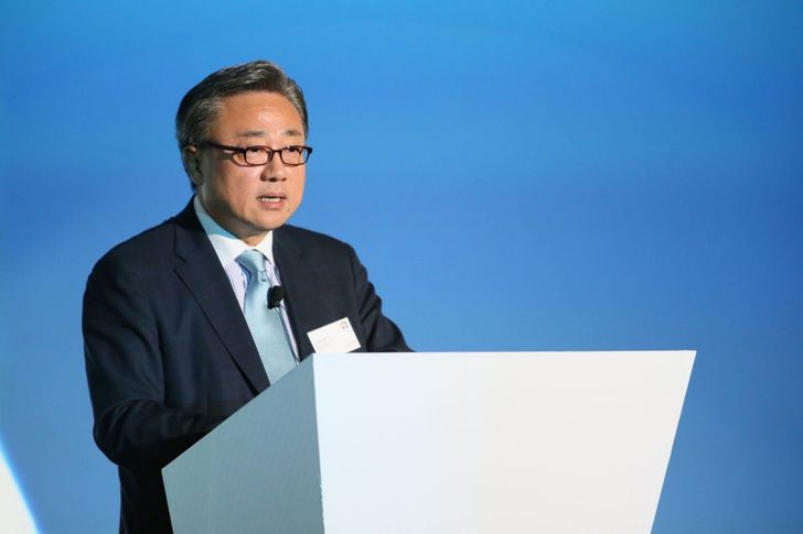 Long-Time Samsung Mobile President JK Shin To Be Replaced By R&D VP Koh Dong Jin