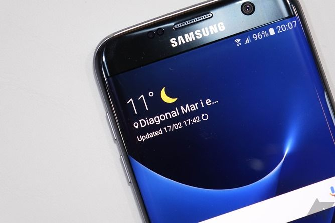 Video: Quick Look At The Samsung Galaxy S7 And S7 Edge (MWC 2016)