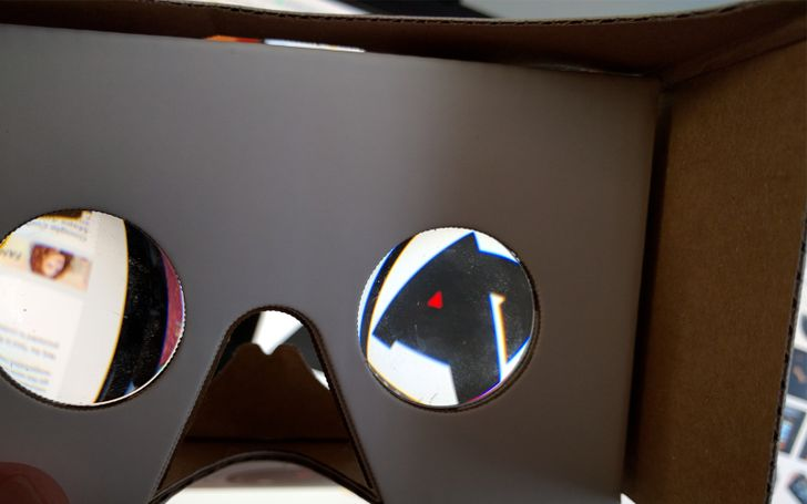 Google Reportedly Planning New VR Headset That Doesn't Require A Phone