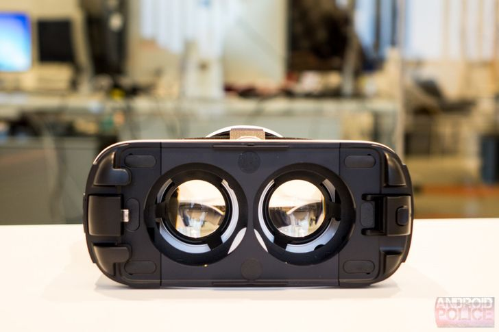 [Weekend Poll] Do You Own (Or Have You Ordered) A VR Device?