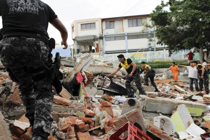 T-Mobile, AT&T, And Sprint Offer Free Calls And Texts To Ecuador Following Deadly Earthquake