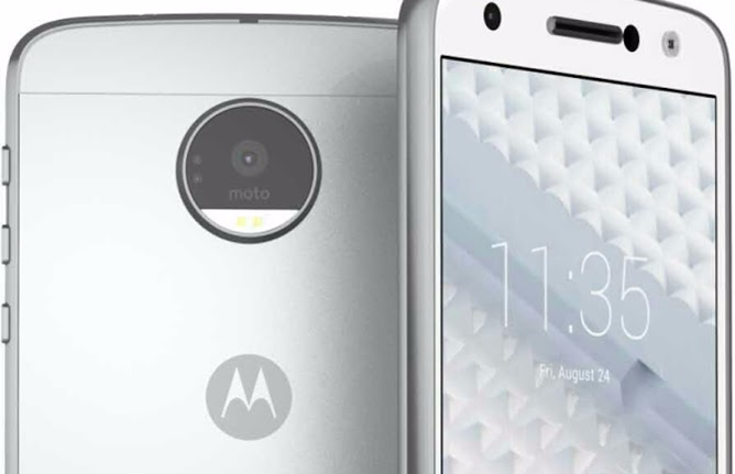 More Leaked Next-Gen Moto X And DROID Photos Appear Online