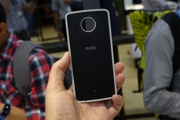 Moto Mod Pricing Leaks In Verizon App, Including An Obscene $299 For The Insta-Share Projector