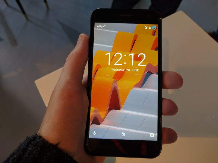 Wileyfox Spark hands-on: For $120, this phone is astounding