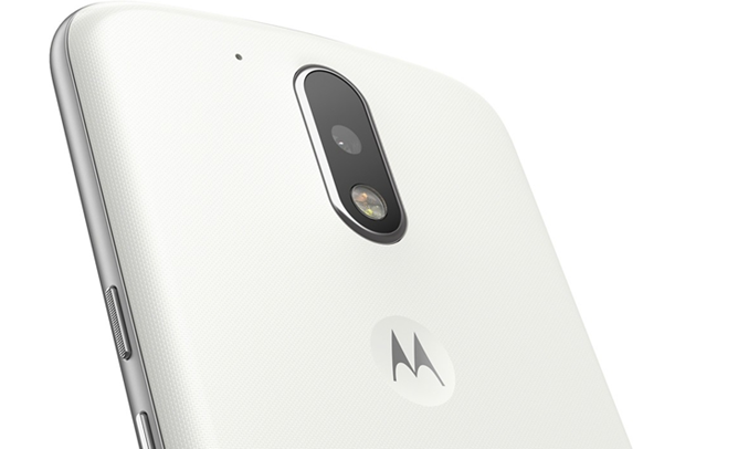 Best Buy and B&H Photo are both offering $50 gift cards with the 2016 Moto G and G Plus