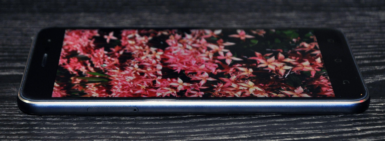 ZenFone 3 - Left