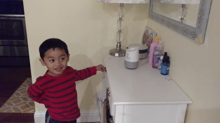 [Okay Googeeelll] Watch this adorable 4-year-old boy use Google Home