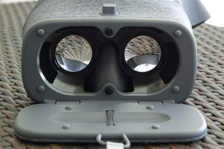 The Google Daydream VR headset