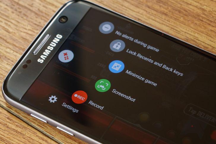 The Guardian drops Galaxy S8 details: Near bezel-less display, rear fingerprint scanner, desktop OS mode