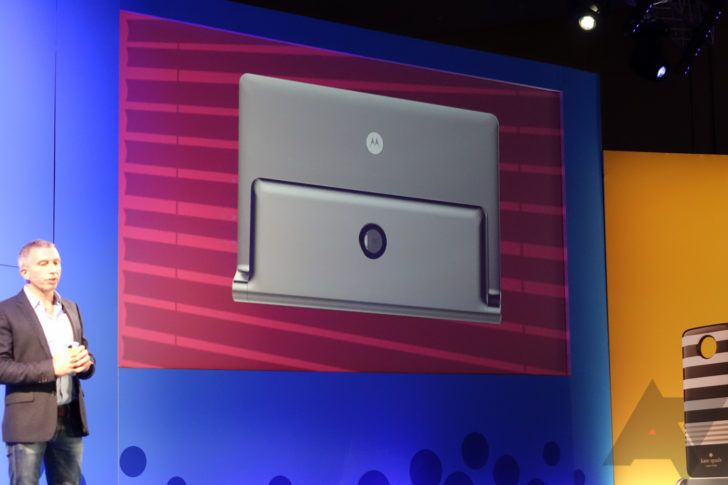 Motorola shows off some concepts for Moto Mods, including a tablet dock and printer