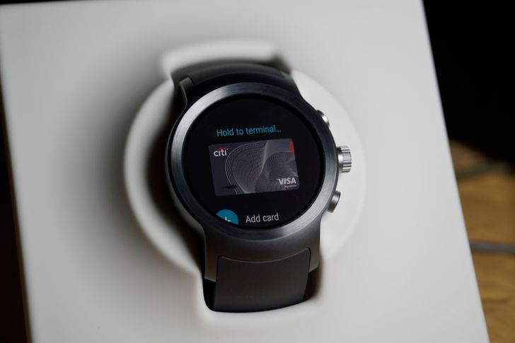 Android Pay for Wear smartwatches doesn't work if your phone has an unlocked bootloader