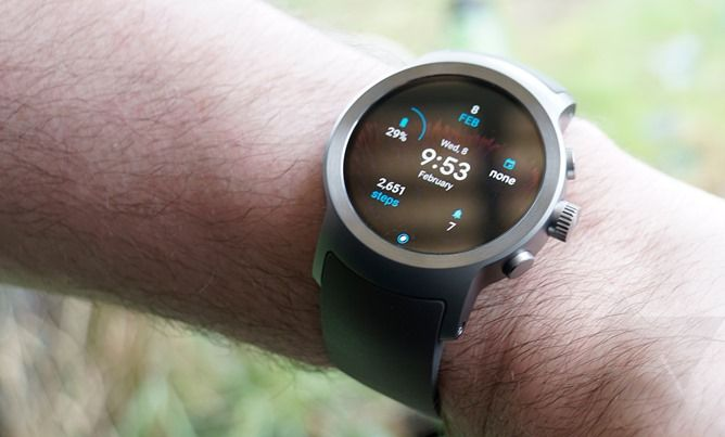 Three months later, Google still hasn't fixed Android Wear's Google account copy bug