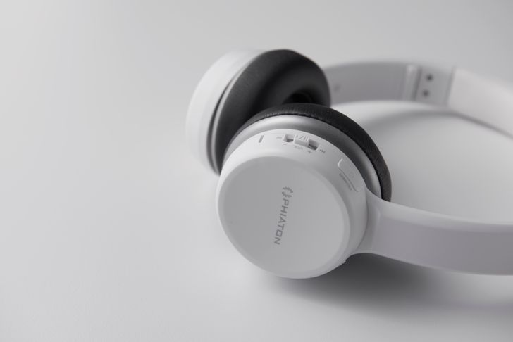 Phiaton announces travel-friendly wireless headphones that won't break the bank