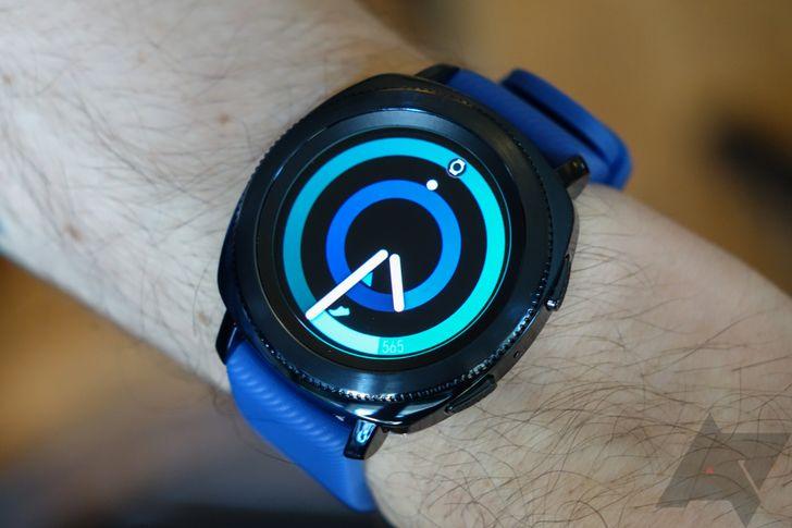 Samsung Gear Sport hands-on: A smaller, more durable Gear smartwatch