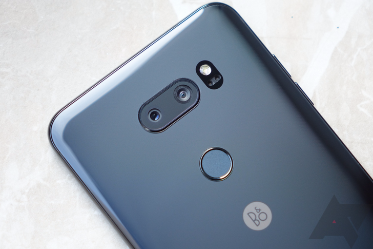 "[Update: Promo is live] LG V30 will launch in the US soon with free Daydream View and ""Second Year Promise"" warranty"