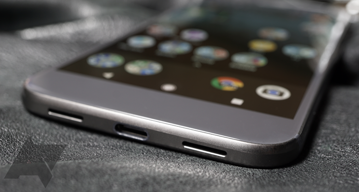 Check yo' mail: Settlement checks for the 2016 Pixel microphone lawsuit are landing