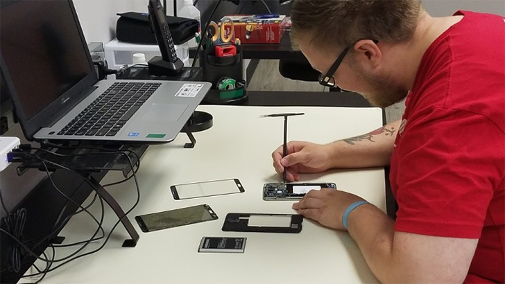 Samsung partners with uBreakiFix for easy walk-in Galaxy repairs