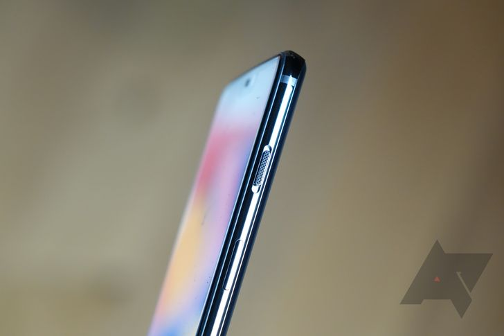 The OnePlus 6's alert slider key finally works like it should again