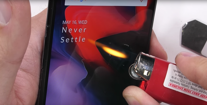 OnePlus 6 emerges from JerryRigEverything's hands mostly unscathed