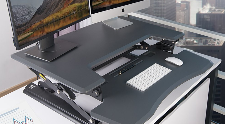 [Update: Last day] We're giving away three TaoTronics standing desks [US only]