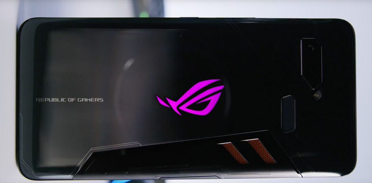 ASUS ROG Phone gets hands-on time courtesy of MKBHD