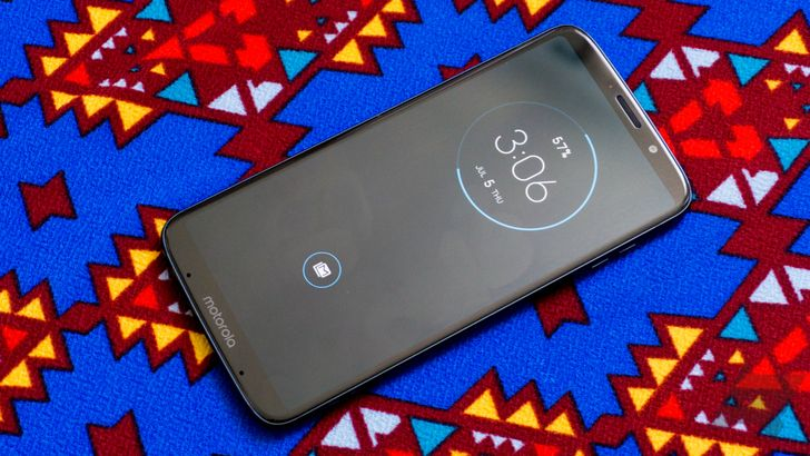 Moto Z3 Play Prime Exclusive with Power Pack Mod drops to all-time low of $329