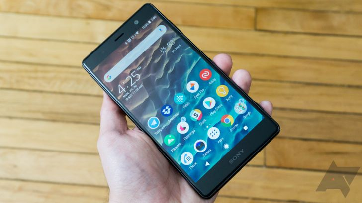 Sony's smaller 2018 flagship, the Xperia XZ2 Compact, is now just $450 ($200 off) at B&H