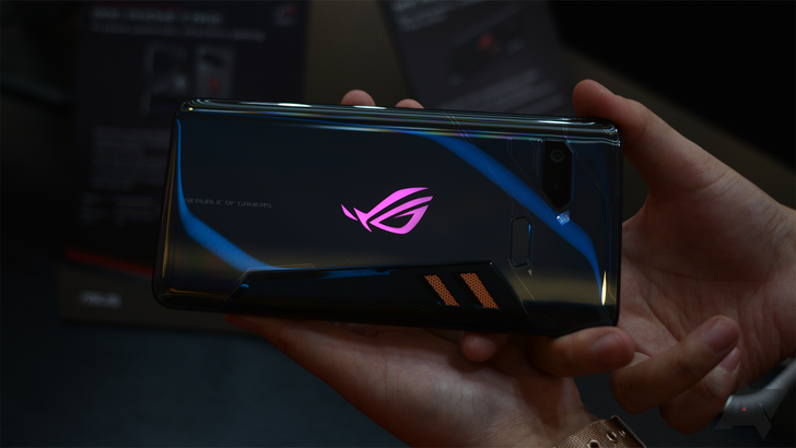 [Update: Pre-order now] The Asus ROG Phone launches in the US October 18th for $899