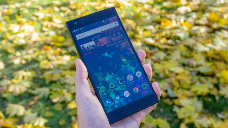 Razer Phone 2 on sale for all-time low of $300 ($100 off)