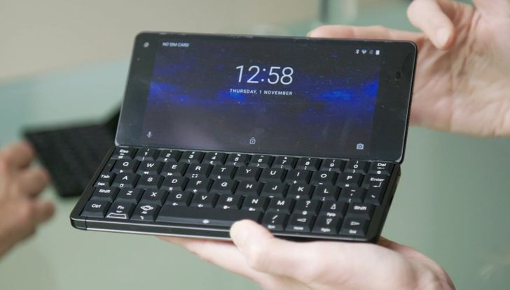 Laptop-phone Cosmo Communicator hits 350% of crowdfunding goal (Update: Linux support)