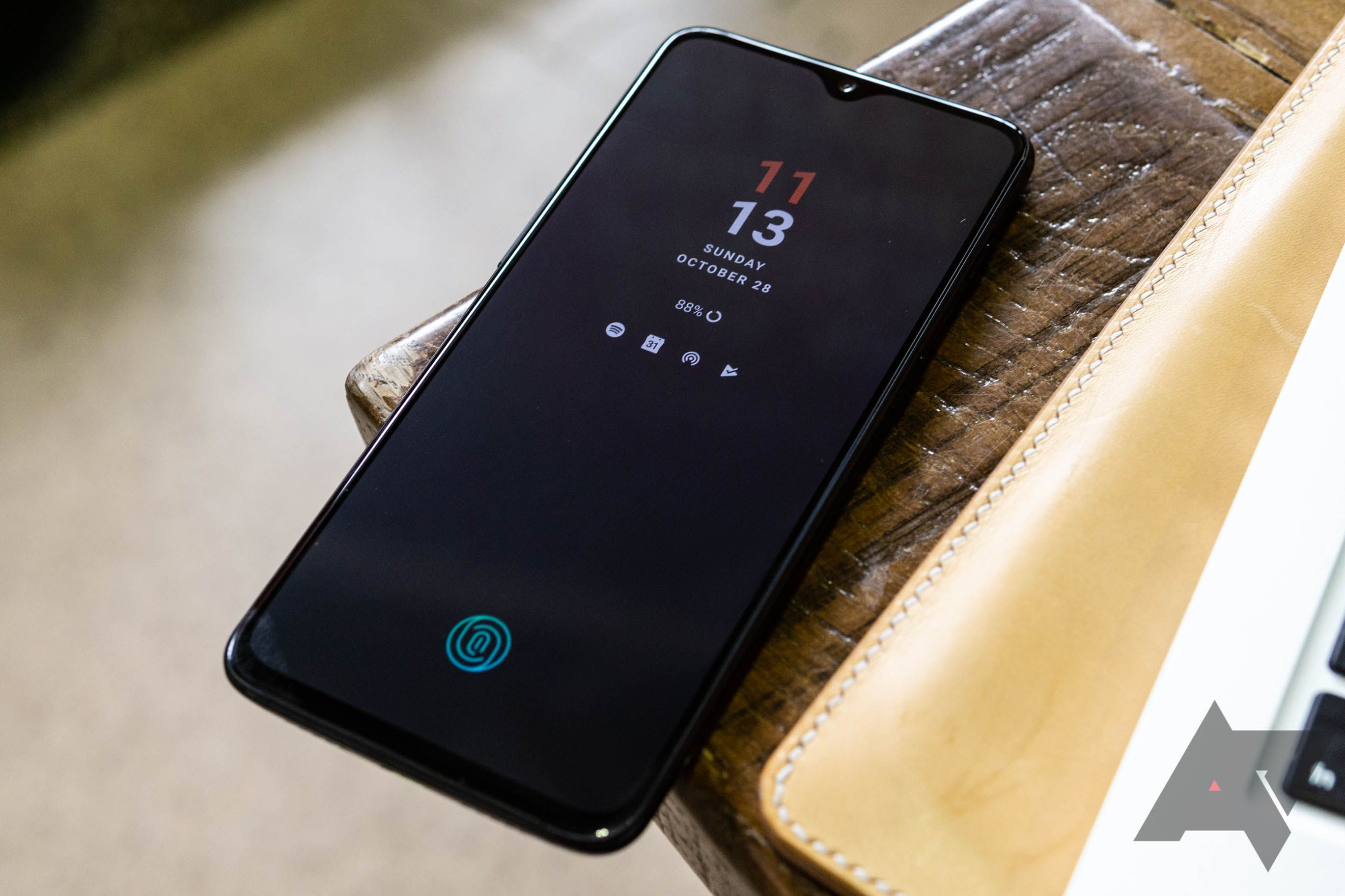 Oppo joins Wireless Power Consortium, future OnePlus and Oppo phones may support Qi charging