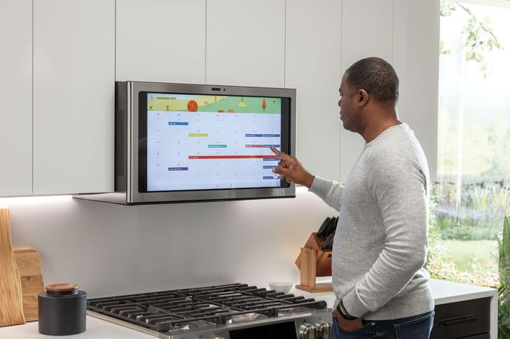 GE's Kitchen Hub is a huge, Android-powered touchscreen to mount above your stove