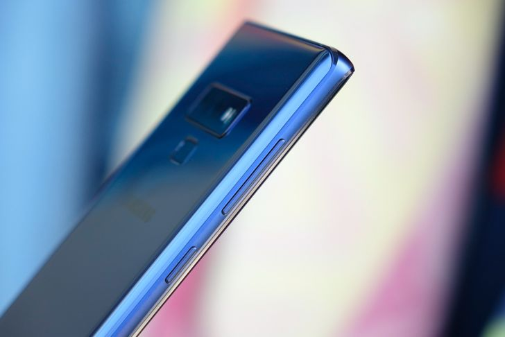 [Update: Buttons aren't dead] The Galaxy Note 10 won't have a headphone jack or physical volume and power keys (rumor)