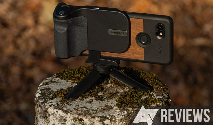 Review: Adonit PhotoGrip Qi is a great smartphone camera grip with built-in wireless charging