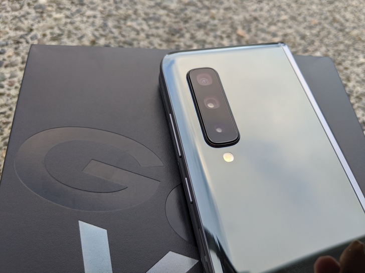 Galaxy Fold 2 rumors talk ultra-thin glass screen, possible color options