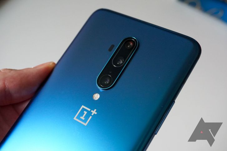 Open Beta 6 for the OnePlus 7T and 7T Pro delivers adaptive brightness adjustments
