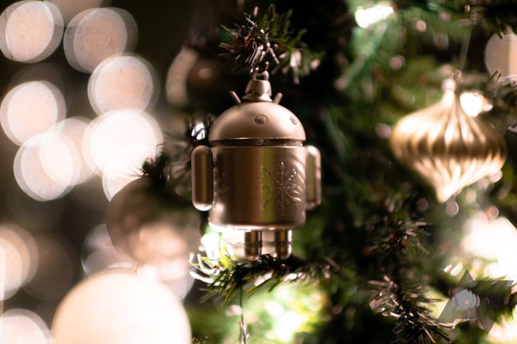 Enjoy a holiday light show at home with a little help from the Google Assistant