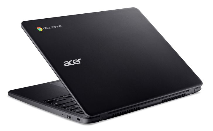 Acer Chromebook 712 combines durability, a 3:2 screen, and Wi-Fi 6 for only $330