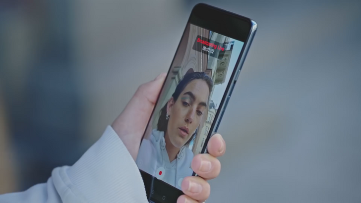 OnePlus Nord's dual front cams will let you take ultra-wide selfies