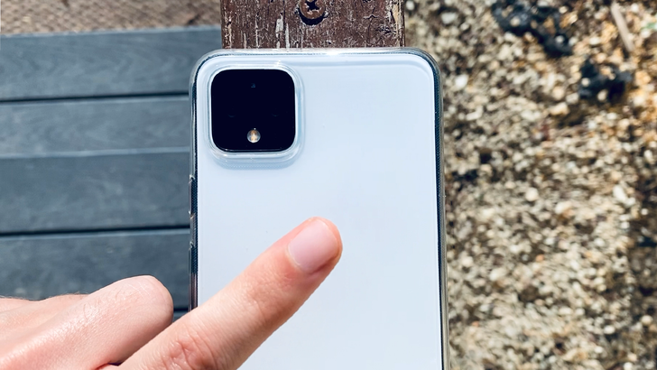 Pixels could get iPhone-style back tap gesture with Android 12