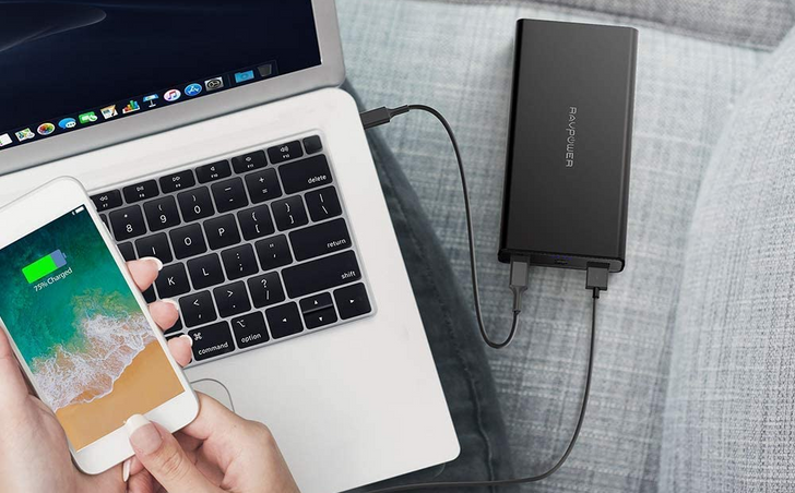 Grab a 20,100 mAh RAVPower battery bank for just $27 ($13 off) at Amazon