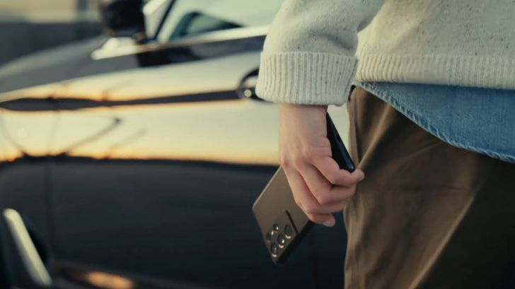 The Galaxy S21 will soon locate your parked car and even unlock it