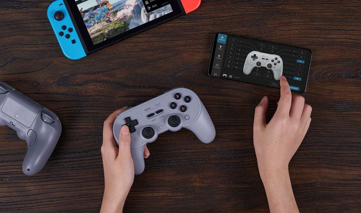 8BitDo's new Pro controller lets you remap its buttons from your phone