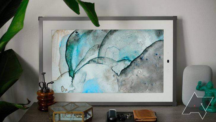Lenovo's 21-inch Smart Frame puts Google Photos on your wall, and it's more than half off right now