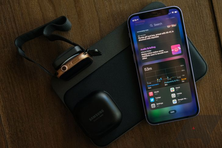 This $150 wireless charger bridged the iOS and Android gap for me